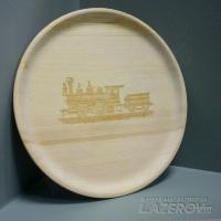 Гравировка на деревянной тарелке